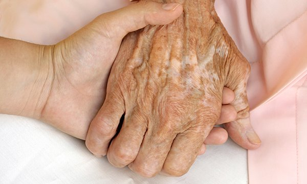 Palliative care_tile_Alamy