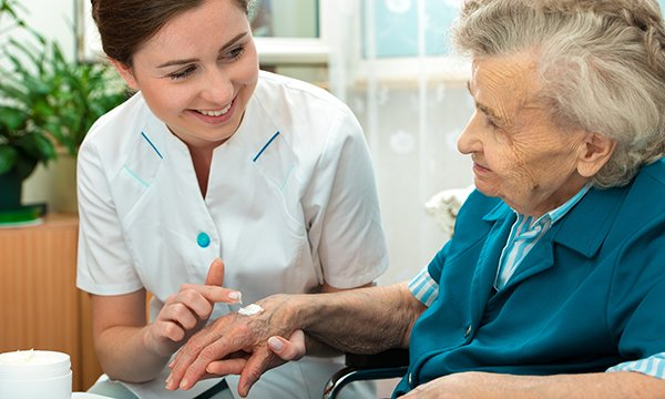 Role of nurses in promoting the skin health of older people in the community