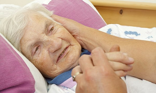 Palliative and end of life care for people with advanced dementia