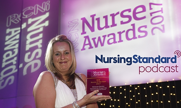 Melanie Davies with nurse award