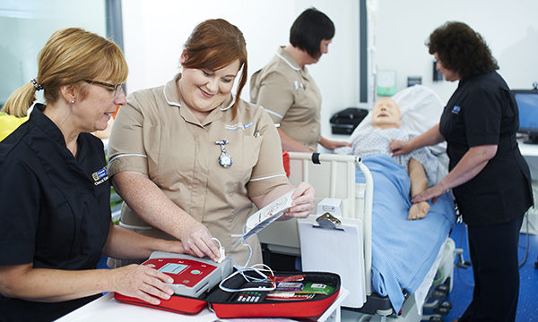 Nursing associates in a simulation